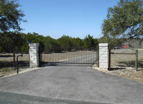 automatic gate with keypad entry
