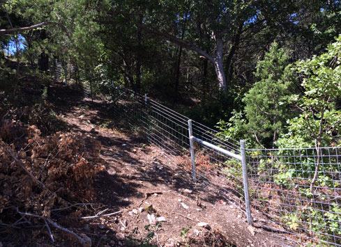 Farm & Ranch Style Fences – cattle panel, pipe rail, driveway, gates