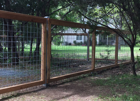 cattle-panel-fence-cedar-frame-and-post