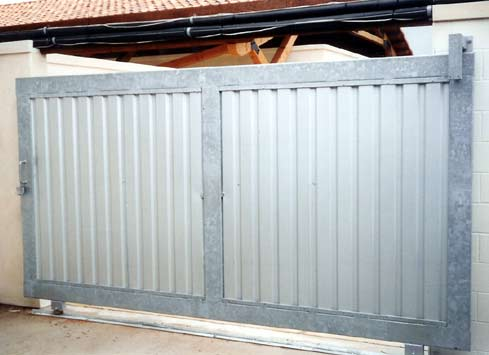 sliding metal gate 2