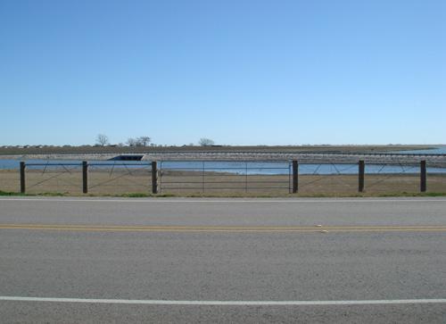 road side ranch fencing
